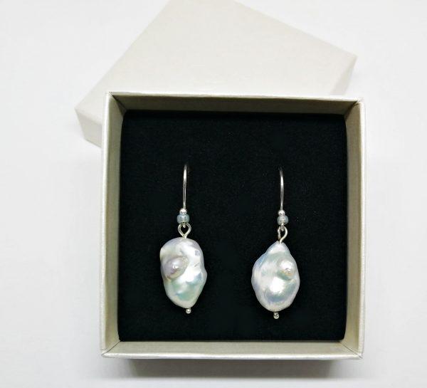 Souvenir del Mare Collection 925 Silber handmade Süßwasserperlen Ohrhänger Barockperlen Girlwiththepearl